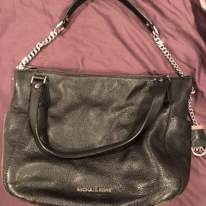 MICHAEL KORS BLACK PEBBLE LEATHER POCKETBOOK